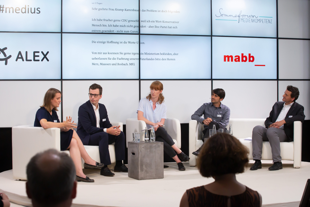 Podiumsdiskussion (v.l.): Dr. Nicole Rieber, Thore Barfuss, Teresa Sickert, David Lanius und Prof. Dr. Christoph Neuberger © fsf/sh